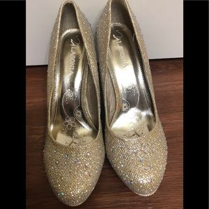 Gold with diamonds high heels